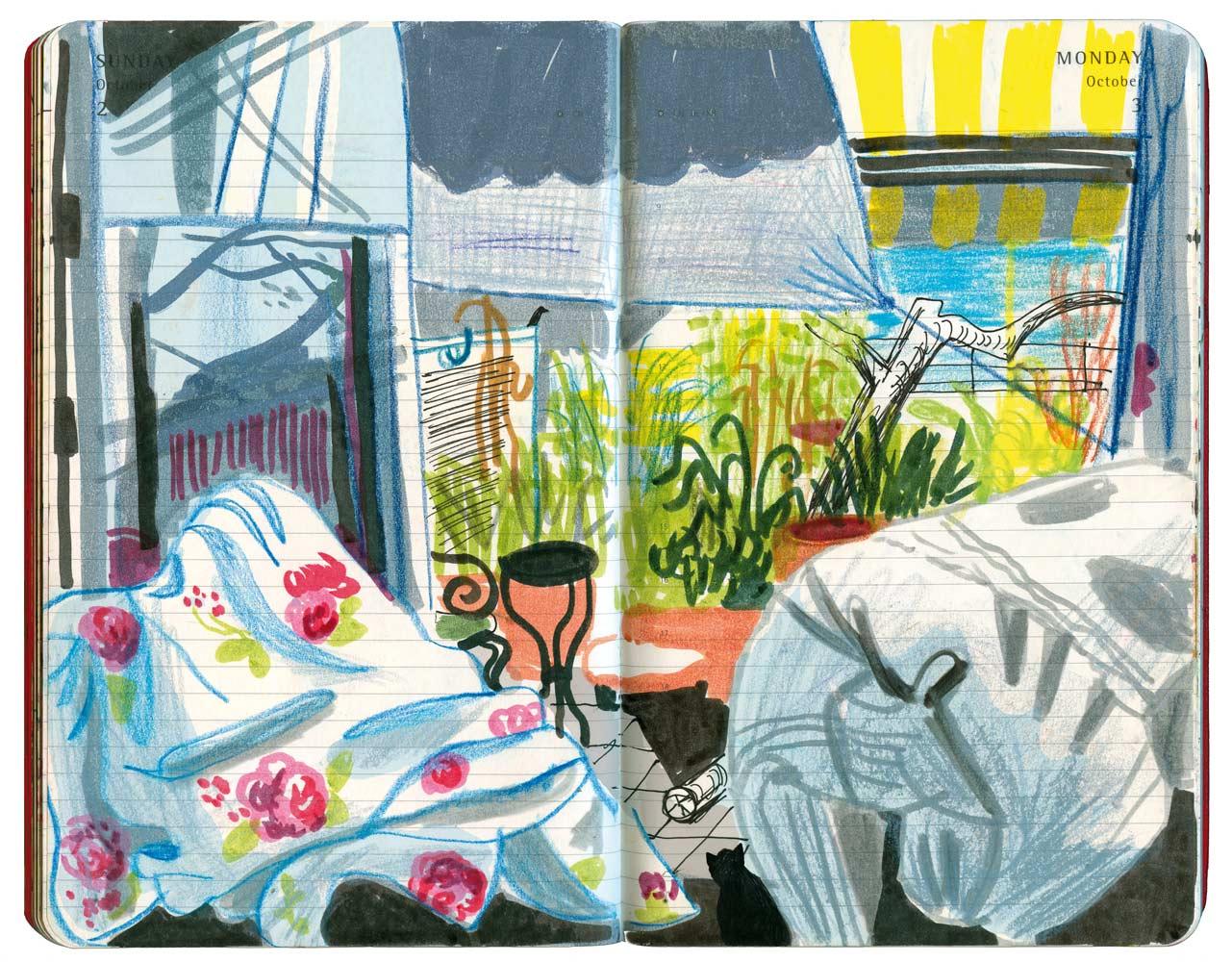 Bettwäsche im Sommer vor dem weit offenen Balkon, helle Farben
