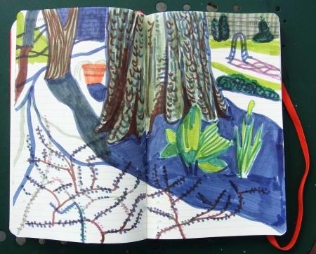 Farbige Schatten im Garten von filigranen Baemen kommend, im blau-violetten Licht